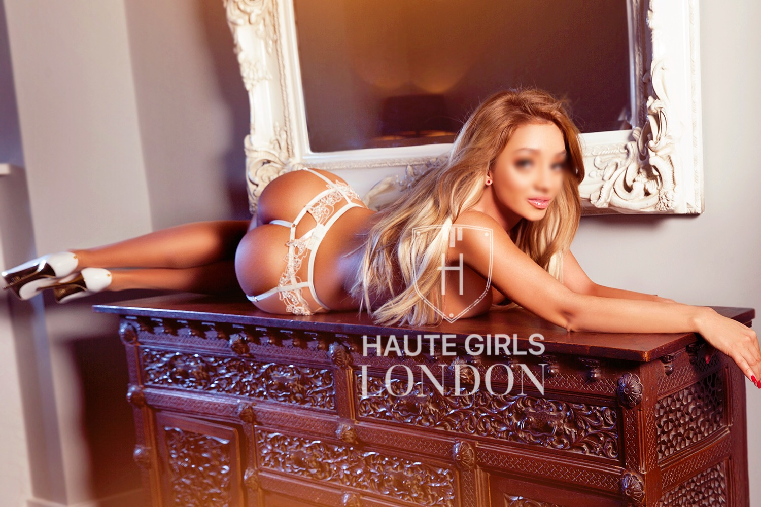 London escort Gia advises elderly clients to self isolate and refuses to see highly vulnerable clients during the Coronavirus pandemic